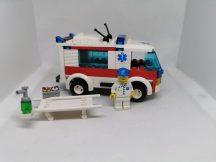 Lego City - Mentőautó 7890