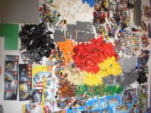 13,5 kg lego csomag (City, Creator, Chima, Movie, Dino, Racers stb) katalógusokkal, több, mint 70 db minifigurával