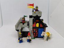 Lego Castle - Guarded Inn 6067 ( 1 db sisak dísz, zászlóról a matrica hiányzik) EXTRA RITKA