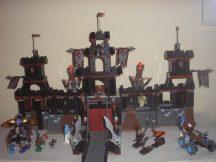 Lego Knights Kingdom II - Vár, Vladek sötét erődje 8877 dobozzal, katalógussal!