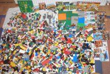 9 kg ÖMLESZTETT, VEGYES, KILÓS LEGO (star wars, city, creator, ninjago, racers) sok minifigurával, alaplappal