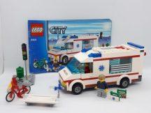 Lego City - Mentőautó 4431 (kicsi eltérés, hiány, katalógussal)