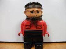 Lego Duplo ember- fiú intelligens vonathoz