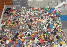 16,5 kg ÖMLESZTETT, VEGYES, KILÓS LEGO sok alaplappal, minifigurával, katalógusokkal (sok City, Creator, Ninjago, Star Wars stb)
