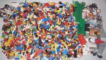 6,8 kg ÖMLESZTETT, VEGYES, KILÓS LEGO (sok kiegészítővel, City készletekkel, 6020-as dobozos System készlettel)