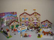 Lego Friends - Nyári Lovas Tábor 3185 (doboz+katalógus) ( 1 db rózsaszín nyereg helyett lila van)