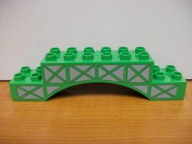 Lego Duplo íves elem v. zöld (karcos)