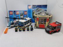 LEGO City - Múzeumi betörés (60008) (katalógussal)