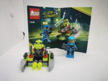 LEGO Alien - Földönkívüli támadó (7049) (katalógussal)