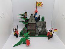 Lego Castle - Dark Dragon's Den 6076 (1 zászló hiány)